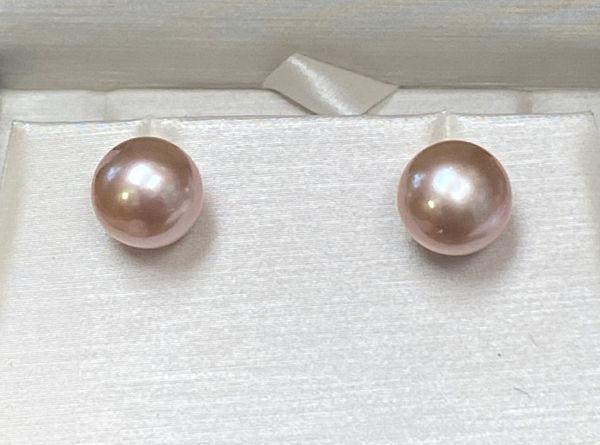 Picture of Pink Pearl Stud Earrings