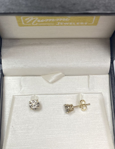 Picture of 1.00cttw Diamond Stud Earrings