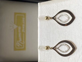 Picture of Ava's Dangle Earrings
